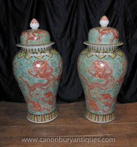 Pair Large Chinese Wucai Ming Porcelain Lidded Urns Vases Jars