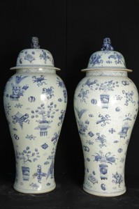 Big Pair Blue and White Chinese Ming Porcelain Amphora Lidded Urns Vases
