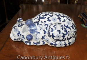 Chinese Blue and White Porcelain Ming Cat