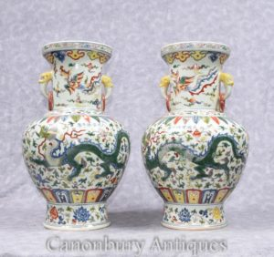 Pair Chinese Qianlong Porcelain Vases Dragon Urns Ceramic China