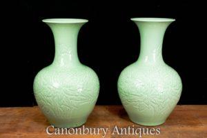 Chinese Porcelain Vases - Kangxi Pottery Vases Lotus